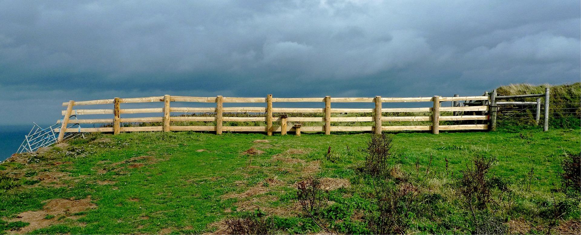 fence-1670087_1920